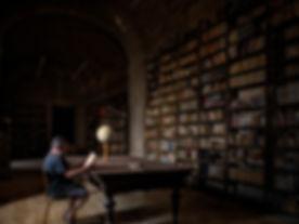 Biblioteca del Monasterio de Uclés (Cuenca) un lugar para perderse. Le encantó a Photoperiplo su historia y su luz.
