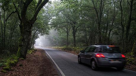 La fotogénica niebla es un buen recurso fotográfico en Galicia. A Photoperiplo nos encanta fotografiarla