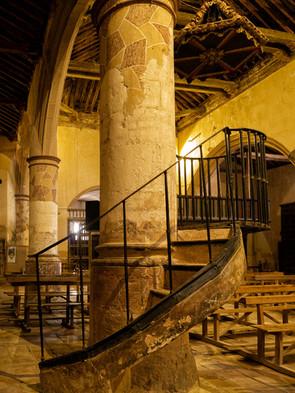 Vista del interior de la iglesia de San Pedro Apóstol en Buenache de Alarcón...