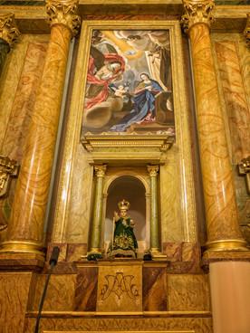 Retablo donado por las Carmelitas de Lerma que acoge la imagen del Santo Niño.