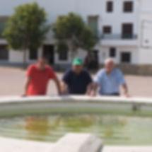 Fuente y pilón en la plaza de Torrejoncillo del Rey (Cuenca)