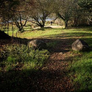 Encantador paraje donde desemboca el río Mendo en el río Miño en la parroquia de Oleiros de Salvaterra de Miño (Pontevedra) Galicia, España. Photoperiplo estuvo allí haciendo unas fotos, si te gusta viajar para fotografiar, síguenos en www.photoperiplo.com