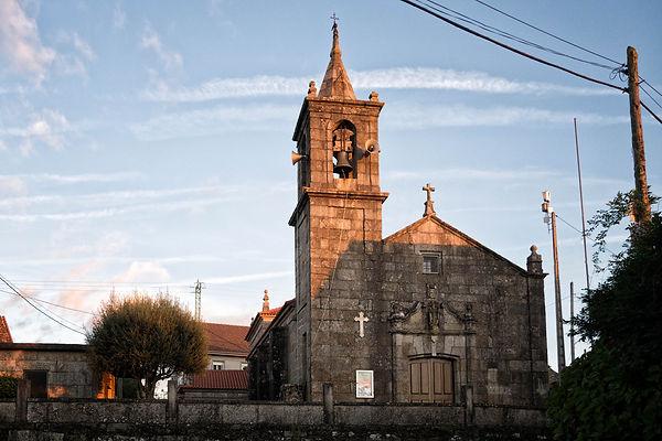 Iglesia de Arantei parroquia de Salvaterra de Miño (Pontevedra) Galicia. Photoperiplo, viajar y fotografiar estuvo allí, nos acompañas.