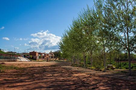 Olmedilla de Alarcón (Cuenca, Castilla la Mancha) en la Manchuela Conquense tiene mucho que ver y para disfrutar, parque infantil, pistas deportivas, piscina, frontón... Photoperiplo estuvo porque nos gusta fotografiar y viajar.