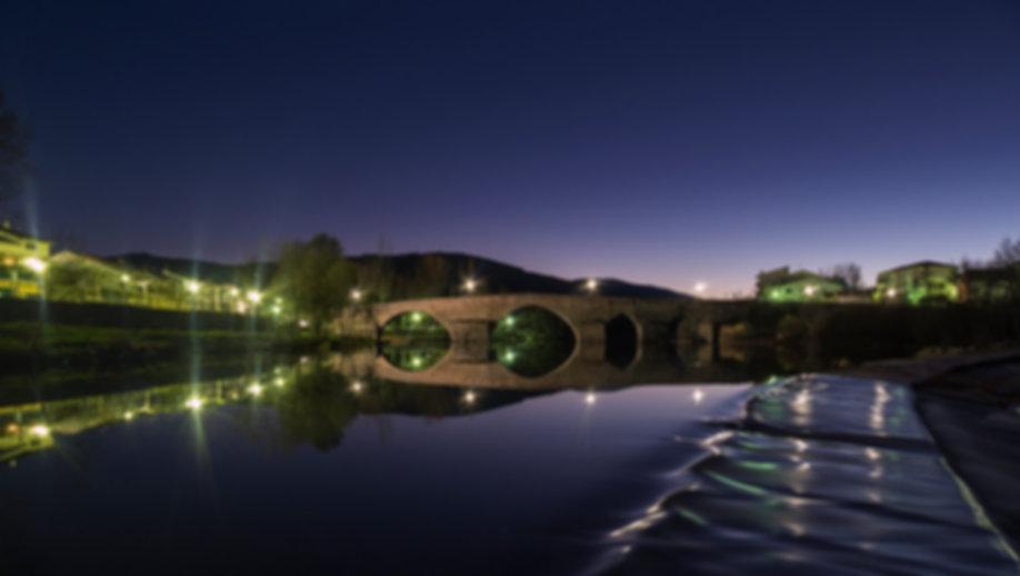 Fotografía nocturna de Photoperiplo hecha en el río Tormes a su paso por El Barco de Ávila