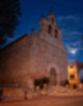 Iglesia de San Pedro y San Pablo en Olmedilla de Alarcón y la hora azul...