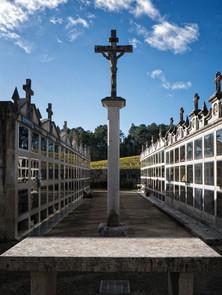 Cruceiro en el cementerio en Leirado (Salvaterra de Miño)