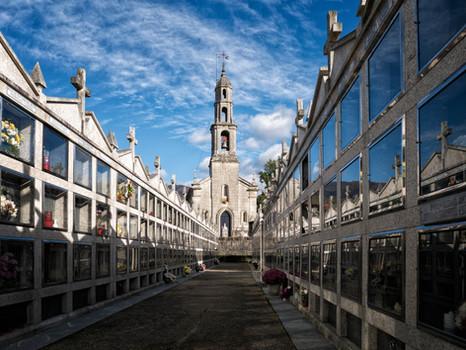 Iglesia de San Salvador y cementerio de Leirado (Salvaterra de Miño)