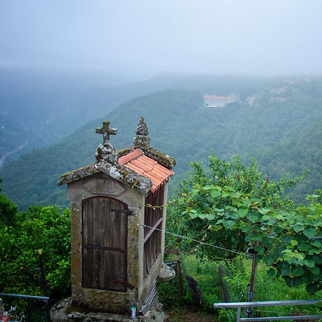 Imagen del Monasterio de Santo Estevo de Ribas de Sil en Nogueira de Ramuín (Orense, Galicia, Spain) hecha desde Paradela por www.photoperiplo.com