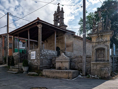 Ermita, peto de ánimas y fuente en Eiradela (Nogueira de Ramuín, Ourense, Ribeira Sacra) Photoperiplo estuvo allí fotografiando...