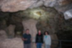 Impresionante la Mina romana de la Mora Encantada de lapis specularis en Torrejoncillo del Rey (Cuenca) Photoperiplo estuvo allí vistando y fotografiando acompañados de Verónica.