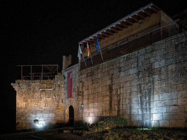Todo un placer para los sentidos es soñar y dormir en el Castillo de Maceda (Orense) España. Photoperiplo, que nos encanta viajar para fotografiar estuvo allí, nos acompañas?