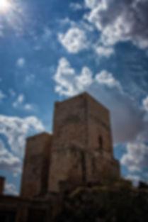 Una de las torres del Castillo de Uclés. Fotografía de Photoperiplo.