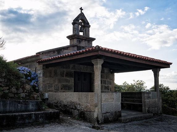 Ermita de Vilouxe (Nogueira de Ramuín) Imagen de www.photoperiplo.com