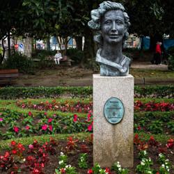 Monumento a la poetisa María Mariño