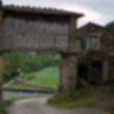 Hórreo típico de Mondoñedo en Lugo (Galicia) caracterizados por su altura, merece la pena viajar para fotografiar a Mondoñedo.