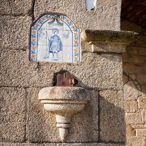 Detalle de la capilla de San Roque en Leirado (Salvaterra de Miño)