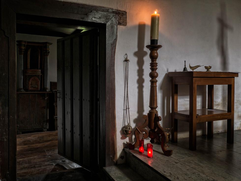 Puerta de acceso a la sacristía...
