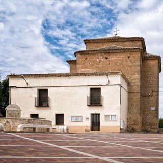 Vista de la iglesia desde la plaza...