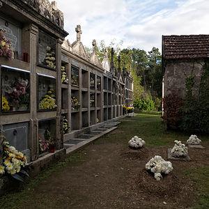 Cementerio de Soutolobre en Salvaterra de Miño (Pontevedra) Galicia. Photoperiplo, viajar y fotografiar estuvo allí, nos acompañas.