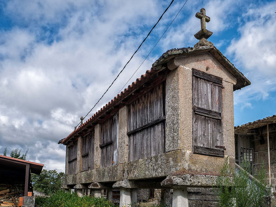 Hórreo en Armariz, parroquia de Nogueira de Ramuín. Photoperiplo estuvo allí fotografiando.
