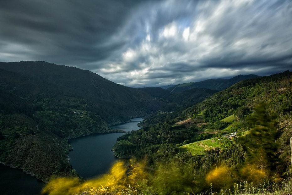 Si te encanta viajar y fotografiar, Negueira de Muñiz en Lugo es tu destino. Tranquilidad, naturaleza, paisajes, buenos vinos, buena gente. Photoperiplo estuvo allí, nos acompañas?