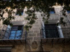 Calles estrechas y empedradas de origen medieval conforman el casco antiguo de Benissa en la Marina Alta (Alicante) España. A Photoperiplo le encanta callejear y viajar para fotografiar, nos acompañas?