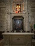 Altar en la sacristía que se emplea en la actualidad como capilla...