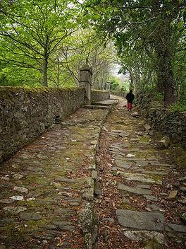 Vía Crucis situado en las inmediaciones del Monasterio de Os Picos en Mondoñedo (Lugo) Galicia, nos encanta viajar para fotografiar, Photoperiplo estuvo allí.