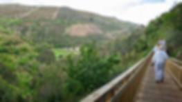 Pasarela de acceso a la Cueva del Rey Cintolo en Mondoñedo (Lugo), es la más grande de Galicia contando con 6.500 metros de galerías.