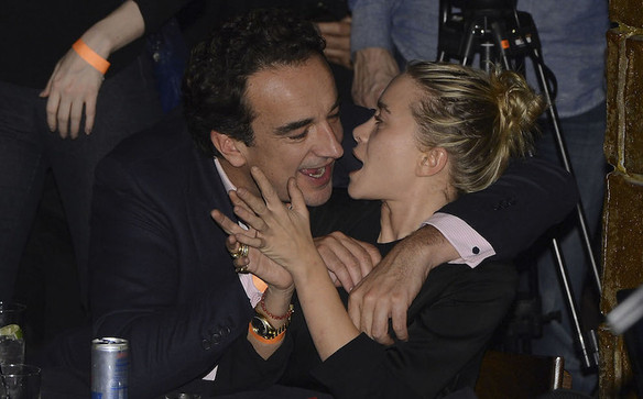 Mary-Kate Olsen and Olivier Sarkozy smoked a lot at their wedding