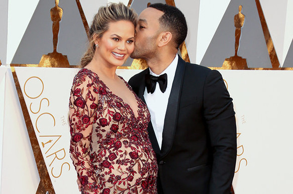 Chrissy Teigen gives daughter the Urban Outfitters of all baby names