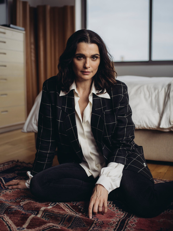 Rachel Weisz is 48 and preggers