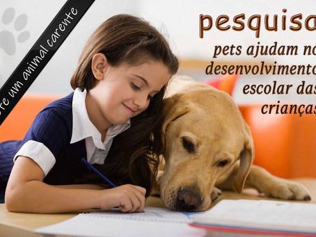 Estudo: pets reduzem estresse e ansiedade de crianças nas aulas virtuais