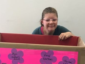 Woman With Autism Creates Kindness Campaign to Give Back to Those In Need