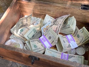 Man Finds Hidden $10K Treasure In Heughs Canyon