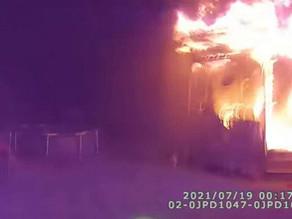 Heroic New York officer rescues children from burning home