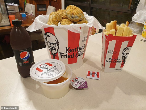 This might look like a KFC bucket - but it's actually an incredible birthday cake