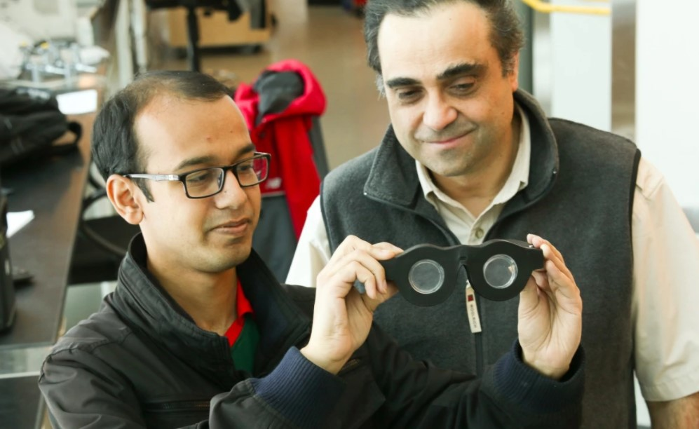 New smart glasses adjust to your vision automatically