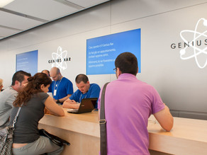 Apple gives free stuff to polite customers according to former employee