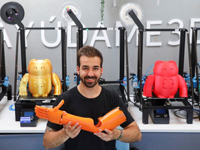 A helping hand: Spanish inventor crafts 3D-printed, prosthetic arms