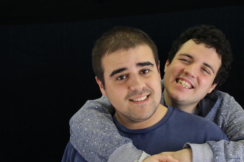 DEF 03 A quien no le gustan los amigos - Alex y Alfonso.jpg