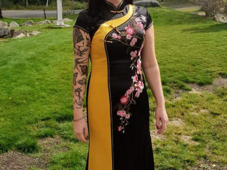 En skreddersydd kinesisk qipao i et bryllup