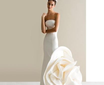 """Si """"ja"""" til en brudekjole med enkel stil eller en glitrende prinsessebrudekjole?"""
