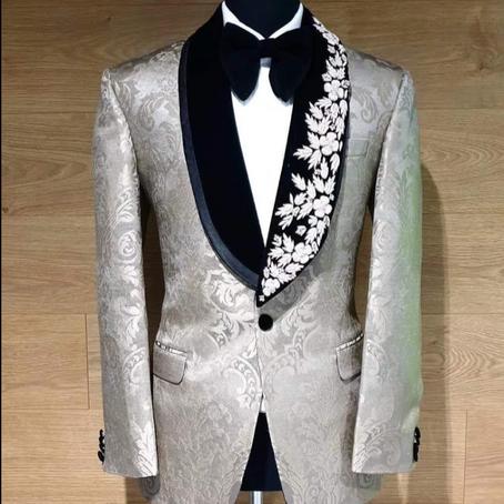 Bryllup – Usedvanlig fine skreddersydde dresser til brudgommer