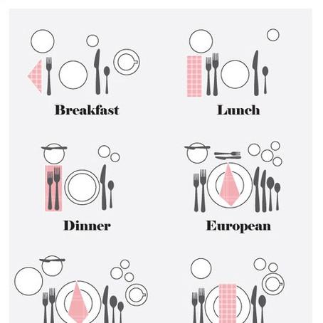 Dekking av et festbord til bryllup eller til andre anledninger