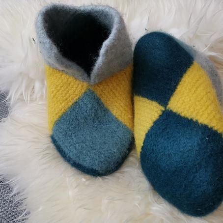 Gavetips – En varm bursdagsgave – Håndstrikkede tøfler i ren ull