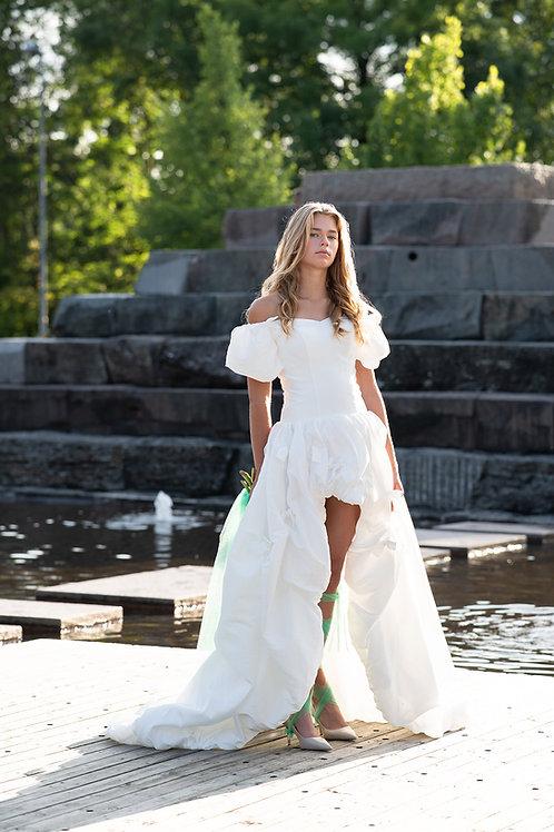En usedvanlig design brudekjole tilsalgs