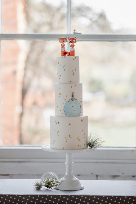 illustrated vegan wedding cake fox toppers