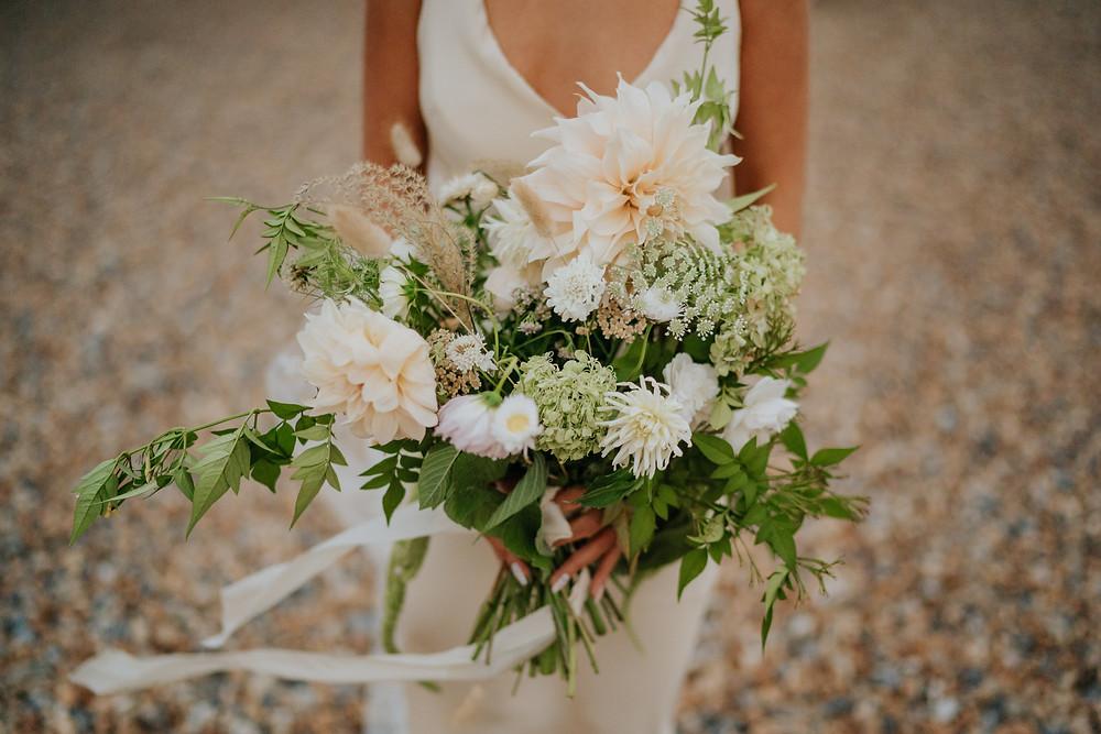 Summer untamed bridal bouquet natural peach